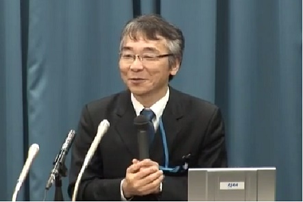 記者会見で自然な笑顔を見せた國中PM 画像提供(C)JAXA